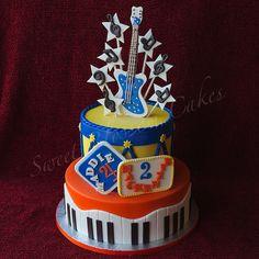 Birthday+Cake+Photos+-+Music+cake.+Everything+edible.