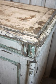 #18/253 White Cabinet detail  Exquisite layers love the patina!