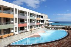 Hotel Geranios Suites & Spa – zájezdy a recenze – Invia. Spa, Mansions, House Styles, Outdoor Decor, Home Decor, Geraniums, Decoration Home, Manor Houses, Room Decor