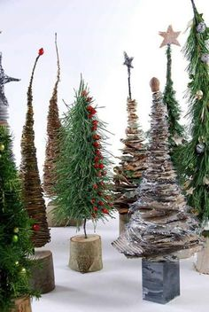 originals 77 86 - originals 77 86 Informationen zu s-medi - Christmas Tree Topiary, Christmas Greenery, Christmas Tree Crafts, Rustic Christmas, Xmas Tree, Christmas Projects, Christmas Holidays, Christmas Wreaths, Christmas Decorations