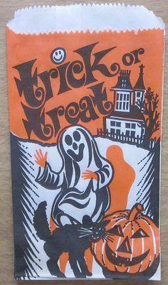 Dancing Ghost Trick or Treat Bag Vintage Halloween Photos, Retro Halloween, Halloween Items, Halloween Pictures, Halloween Cards, Halloween Decorations, Paper Halloween, Happy Halloween Quotes, Halloween Magic