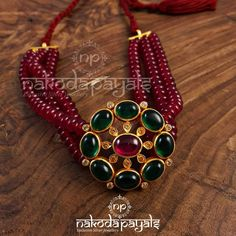 Top 10 Brands To Shop Traditional Jhumkas Online Bead Jewellery, Temple Jewellery, Beaded Jewelry, Jewelry Necklaces, Pearl Necklace Designs, Gold Earrings Designs, Jhumka Designs, Rajputi Jewellery, Gold Jewelry Simple