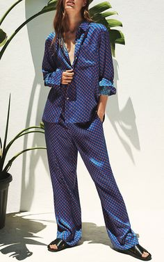 The designers: British duo Poppy Sexton-Wainwright and Lauren Skerritt are known for cool prints and flattering swimwear. Silk Pajamas, Pyjamas, New Fashion, Trendy Fashion, Fashion Outfits, Winter Fashion, Pyjama Satin, Olivia Von Halle, Cute Sleepwear