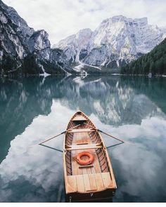 Pragser Wildsee - Prags, Italy. Photo: @helloemilie