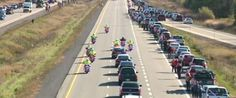 Crowds of Canadians line the Highway of Heroes to honor Nathan Cirillo, our fallen son. In Pictures: Canada Honours A Fallen Hero On The Highway Of Heroes I Am Canadian, Canadian History, Visit Canada, O Canada, In Harm's Way, That Way, What Is A Veteran, Canadian Soldiers, Unknown Soldier