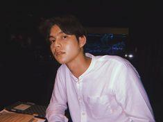 Handsome Prince, Handsome Boys, Senior Boy Photography, Bright Wallpaper, Imaginary Boyfriend, Korean Boys Ulzzang, Bright Pictures, Chinese American, Dear Future Husband