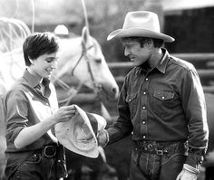 """""""The Horse Whisperer"""", 1998 ~ Costarring Kristin Scott Thomas and Robert Redford . Kristin Scott Thomas, Robert Redford Movies, Thomas Roberts, The Horse Whisperer, Touchstone Pictures, Teen Movies, Michelle Pfeiffer, Event Photos, Attractive Men"""