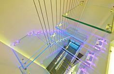 Genialne schody. Na przezwyciężenie lęku wysokości. :)