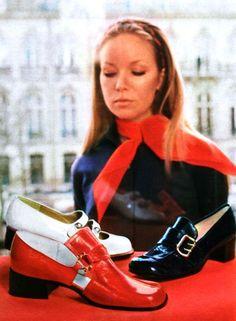 Shoe fashions in Jours de France, May 1970