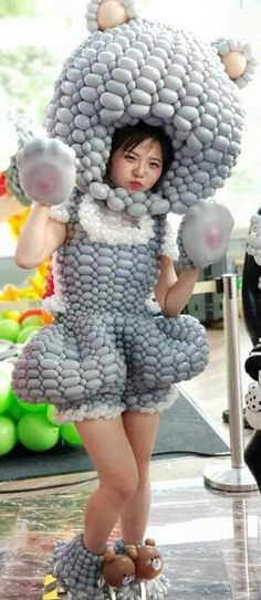 Balloons And More, One Balloon, Balloon Dress, Balloon Pictures, Inflatable Costumes, Birthday Balloon Decorations, Sofia Party, Sofia The First, Balloon Animals