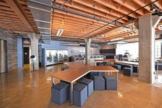 Diseño de Oficinas por IwamotoScott Arquitectura Heavybit Industries - IwamotoScott Arquitectura   #architecture #architectureboard #arquitectura #arq #interiordesign #diseñointerior #officedecor #office #iwamotoscott #iwamotoscottarchitecture
