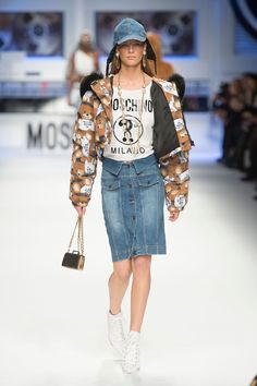 Moschino Fall 2015 Ready-to-Wear Collection  - ELLE.com