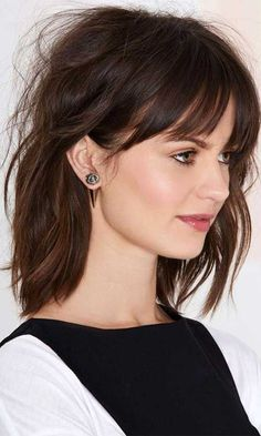 Long bob hairstyles with fringe 2019 Bob Haircut With Bangs, Short Hair With Bangs, Curly Hair Cuts, Hairstyles With Bangs, Easy Hairstyles, Curly Hair Styles, Short Haircuts, Brunette Hairstyles, Bang Haircuts