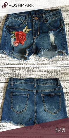 STASSIE embroidered denim shorts How unique are these super comfy & chic embroidered shirts!?! Item as good stretch & fits true to size. NO TRADE, PRICE FIRM Bellanblue Shorts Jean Shorts