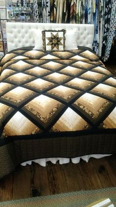 Quilting Diamond Log Cabin Quilt – Log Cabin Quilt Shop - This is a beautiful queen diamond log cabin quilt. The size is 100 x The border is straight. Édredons Cabin Log, Log Cabin Quilts, Log Cabins, Log Cabin Patchwork, Patchwork Jeans, Colchas Quilting, Quilting Projects, Quilting Ideas, Quilt Block Patterns