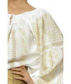 Ie Populara Traditionala Romaneasca Maneca Lunga Motivul Altita Aurie Folk Embroidery, Embroidery Fashion, Embroidery Ideas, Folk Fashion, Ethnic Fashion, Blouse Outfit, Folk Costume, Embroidered Blouse, Peasant Tops