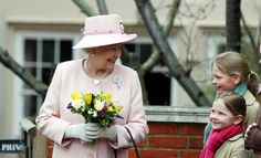 https://flic.kr/s/aHskXyZCcy | The Queen at Easter