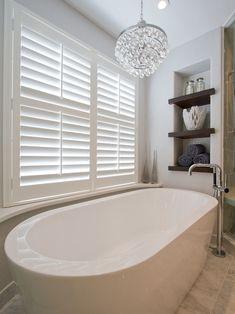60 ideas bathroom modern bathtub freestanding tub for 2019 Modern Bathtub, Modern Bathroom, Master Bathroom, Bathroom Closet, Bathroom Shelves, Washroom, Bathroom Cabinets, Bathroom Organization, Bathroom Fixtures
