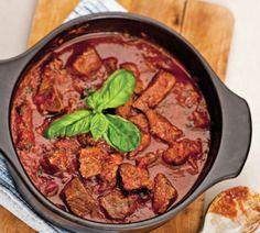 Cubes de boeuf à la provençale/minçavi Meat Recipes, Crockpot, Slow Cooker, Curry, Food And Drink, Ethnic Recipes, Cubed Beef Recipes, Cooker Recipes, Drinks