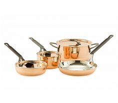 Copper Cookware Set by CopperSmith. With the right arsenal of cookware, even the most complicated recipes are easy - and enjoyable - to whip up. Our Copper Cookware Set gives you all of the tools you need to excel in the kitchen. Kitchen Time, Kitchen Hacks, Kitchen Gadgets, Kitchen Essentials List, Copper Cookware Set, Copper Utensils, Small Room Bedroom, Small Rooms, Bedroom Ideas