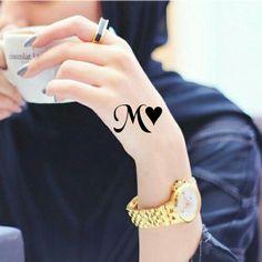 M Letter Design, Alphabet Letters Design, Alphabet Images, Alphabet Wallpaper, Name Wallpaper, Beautiful Love Images, Romantic Couple Images, Drawings For Boyfriend, Stylish Alphabets