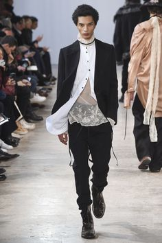 Ann Demeulemeester Fall 2017 Menswear Collection Photos - Vogue