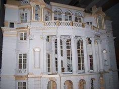 http://www.paulrosamodels.com/3-_MANSION_FACADE_800x600.jpg