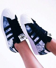 Adidas Women Shoes - Imagen de adidas, shoes, and white - Adidas Shoes for Woman - - Tap the pin if you love super heroes too! Cause guess what? you will LOVE these super hero fitness shirts! - We reveal the news in sneakers for spring summer 2017 Adidas Shoes Women, Nike Women, Sneakers Women, Sneakers Adidas, Shoes Sneakers, Cool Adidas Shoes, Women's Shoes, Adidas Clothing, Loafers Women