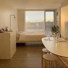 Home Interior Velas Interior Velas 𝒎𝒐𝒐𝒏 𝒂𝒓𝒄𝒉𝒊𝒗𝒆𝒔 Room Ideas Bedroom, Small Room Bedroom, Bedroom Decor, White Bedroom, Korean Bedroom Ideas, Master Bedroom, Small Apartment Bedrooms, Study Room Decor, White Apartment