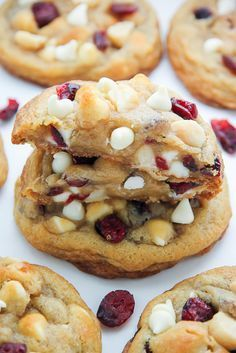 Thick and chewy Cranberry White Chocolate Macadamia Nut Cookies! These are insanely delicious and so easy to make. White Chocolate Cranberry Cookies, White Chocolate Macadamia, Cookie Recipes, Dessert Recipes, Macadamia Nut Cookies, Macadamia Nut Recipes, Delicious Desserts, Yummy Food, Christmas Baking