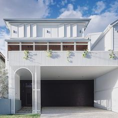 This house on Victoria's famous Great Ocean Road is not content simply to observe the drama of the ocean. Stephen Crafti discovers that, from its clifftop 3 Storey House, House Cladding, Carport Designs, House On Stilts, Art Deco Home, Space Architecture, Modern House Plans, House Design, Aesthetic Rooms