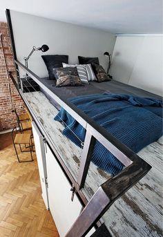 30-metrowa kawalerka z antresolą - urządzona... w jednym z pokoi mieszkania w Krakowie