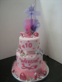 Little Miss Fashionista cake by sherene-lefondant, via Flickr