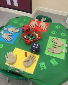 First Grade math activity (counting hands).latex gloves filled with sand. Maths Eyfs, Numeracy Activities, Kindergarten Classroom, Teaching Math, Activities For Kids, Number Games Kindergarten, Addition Activities, Nursery Activities, Elementary Math