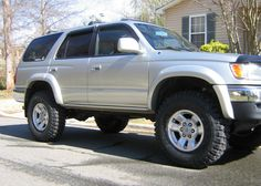 2000 4Runner with a lift.