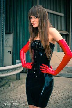 Alexandra Potter Latex Corset, Latex Gloves, Latex Dress, Fetish Fashion, Latex Fashion, Fashion Models, Alexandra Potter, Tights Outfit, Skin Tight