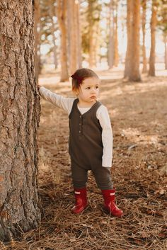 """""""Red Lumberjack"""" Schoolgirl bow by Free Babes Handmade. The perfect hair bow for you little girls holiday style and beyond. Photo by Hello Tiny Love."""