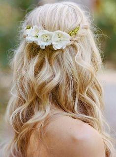 Wedding Hair Down wedding hair half up elegant rustic with white flowers austin gros photography - Still cant decide between a solemn updo or a romantic downdo? Take a look at glamorous and timeless wedding hair half up half down options. Wedding Hair Down, Wedding Hair Pieces, Wedding Hair And Makeup, Wedding Bride, Hair Makeup, Wedding Rings, Wedding Curls, Boho Bride, Braided Hairstyles For Wedding