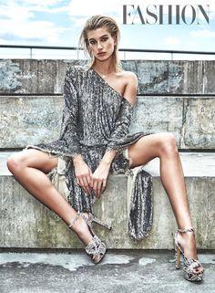 #modelcitizenmag #modelcitizenmedia #modelcitizenapp #fashionjournalist #nyfw #musthave #shoponline #runwayfashion #highfashion #makeupbyme #hautecouture #fashionmagazine #fashionstylist  #fashionphotographer #fashionphotography #trendy #womensfashion #fashiondesigner #couture #trends #fashionindustry #mua #makeupforever