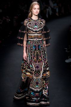 Valentino - Autumn/Winter 2015-16 Ready-To-Wear - PFW (Vogue.co.uk)