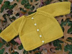 gilet safran Baby Cardigan, Cardigan Bebe, Baby Pullover, Knitting For Kids, Crochet For Kids, Baby Knitting, Baby Boy Crochet Blanket, Crochet Baby, Knit Crochet