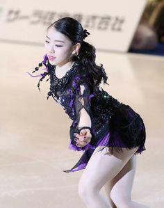 Beautiful Young Lady, Beautiful Asian Girls, Beautiful Women, Kim Yuna, Gymnastics Outfits, Gymnastics Girls, Ice Skating, Figure Skating, Medvedeva
