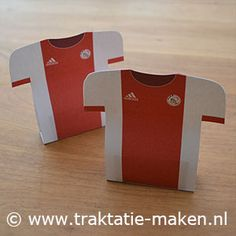 afbeelding traktatie Voetbalshirt Ajax Birthday Treats, Boy Birthday, Branding, Marketing, Holidays And Events, Teacher Gifts, Party Favors, Wraps, Gift Wrapping
