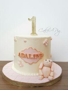 Vintage pink bunny cake