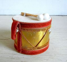 Vintage Christmas Gold Drum Ornament | Made In Japan | Drummer | Instrument by PeppermintBark