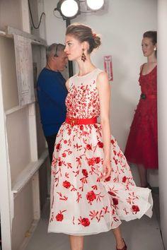 The Simply Luxurious Life: Oscar de la Renta – Resort 2013 Pretty Outfits, Pretty Dresses, Beautiful Outfits, Gorgeous Dress, Dries Van Noten, Moda Vintage, Floral Fashion, Feminine Fashion, Mode Style