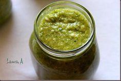 Pesto de dovlecei zucchini. Ingrediente si mod de preparare pesto de dovlecei. Reteta pesto pentru paste si bruschette.