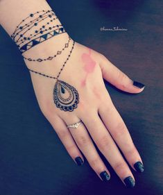 this is Decent Easy Mehndi design Idea For Girls Indian Henna Designs, Henna Tattoo Designs Simple, Mehndi Designs Book, Mehndi Designs 2018, Modern Mehndi Designs, Mehndi Design Pictures, Mehndi Designs For Girls, Mehndi Designs For Fingers, Beautiful Mehndi Design