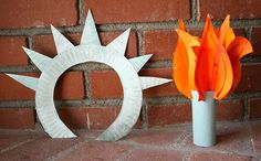 Make a Statue of Liberty crown and torch from paper plates!