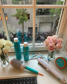 BTS: Here's the Product That Kept Lily Aldridge's Met Gala Pony Sleek for 6 Hours Boar Bristle Brush, Hydrating Mask, Celebrity Hair Stylist, Perfect Foundation, Lily Aldridge, Moroccan Oil, Damp Hair Styles, Brows, Pony